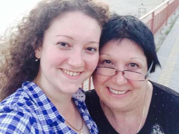 ナディアと母親