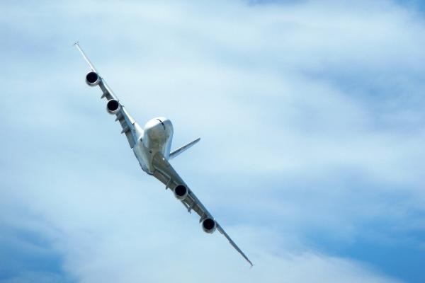 ノースウエスト85便の緊急着陸事故の原因結末は